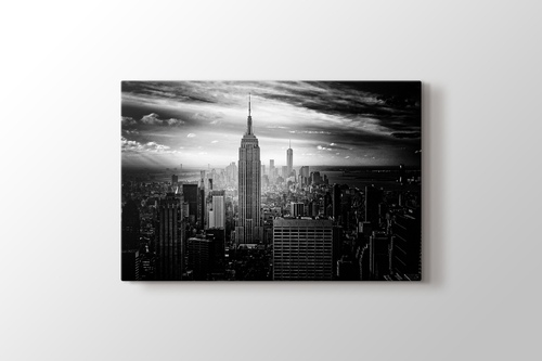 Picture of Empire States Building and Manhattan