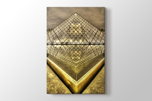 Picture of Louvre Pyramid