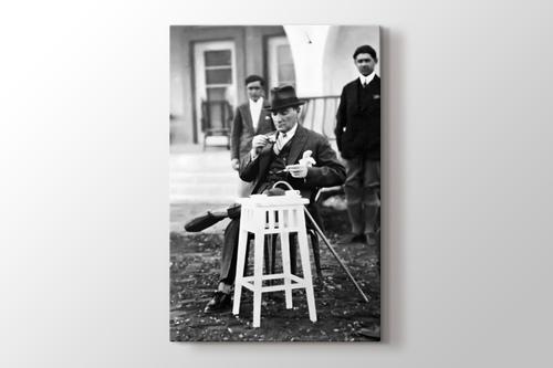 Picture of Atatürk Türk Kahvesi İçerken